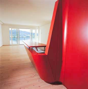 Kochinsel mit Theke in rot glänzend